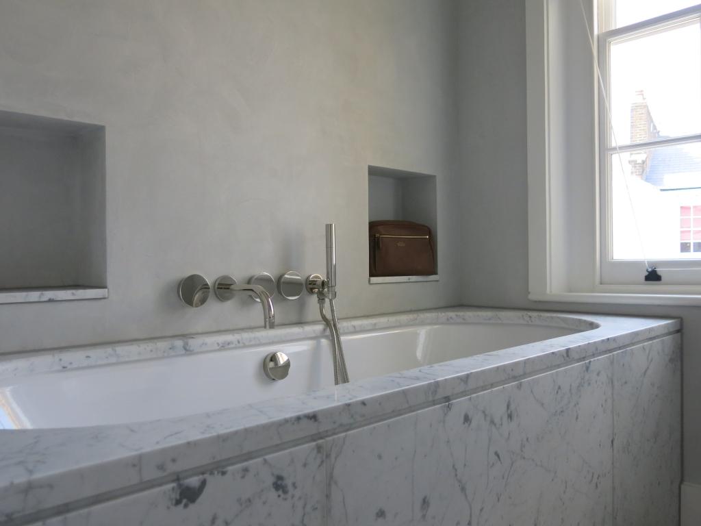 00004PL_ZEN25_Zen_Wall_Mounted_Bath_Tap_in_Polished_Nickel