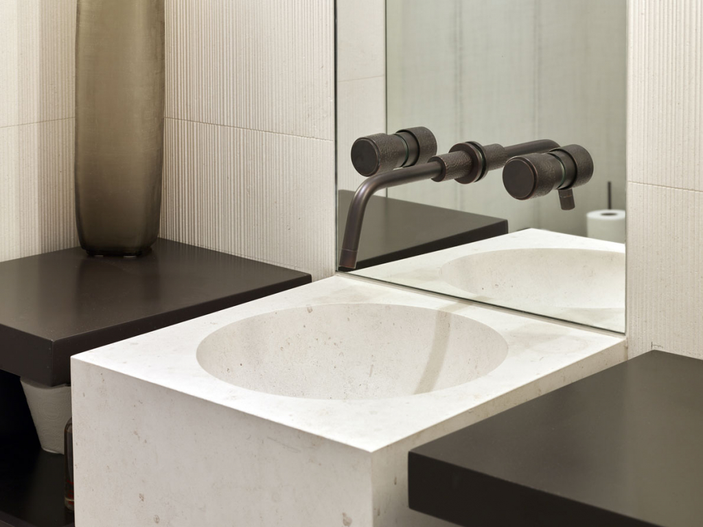 00070PL_SED06_Sense_Wall_Mounted_Basin_Tap_in_Charcoal