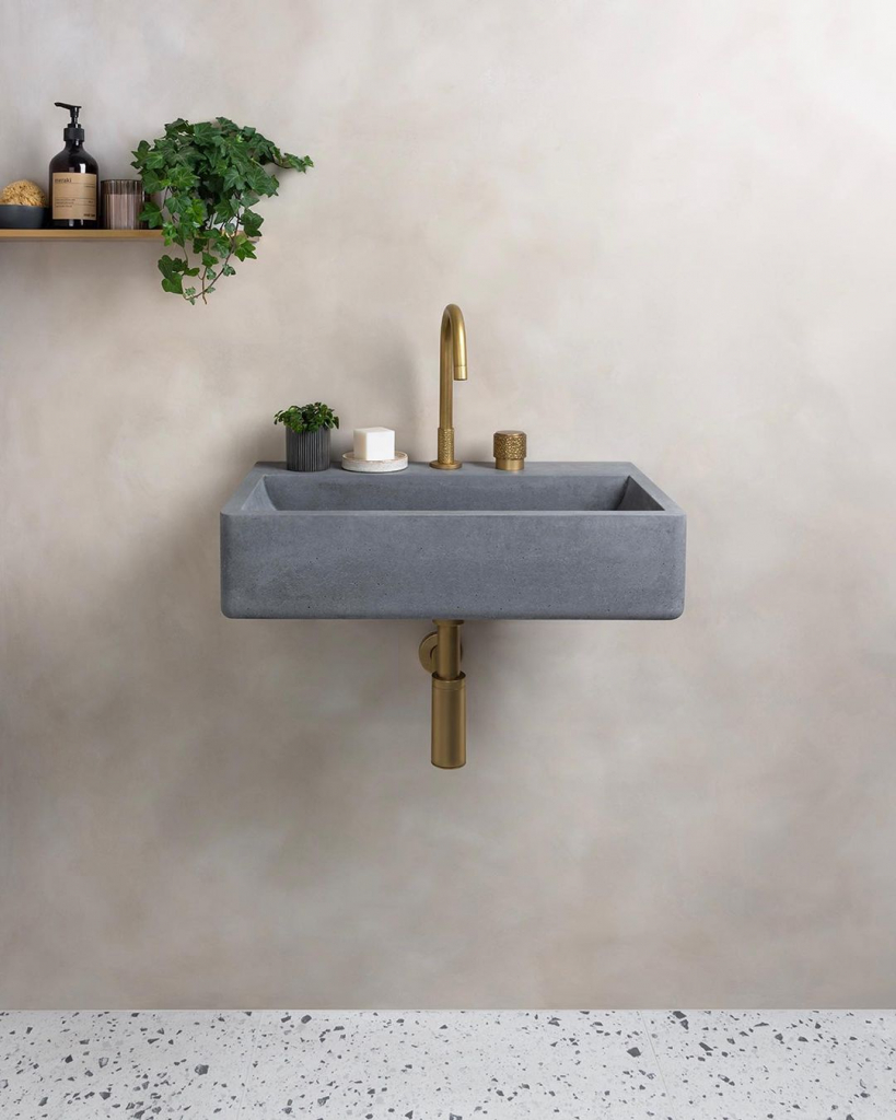 00086PL_SED03_Sense_Deck_Mounted_Basin_Tap_in_Aged_Brass