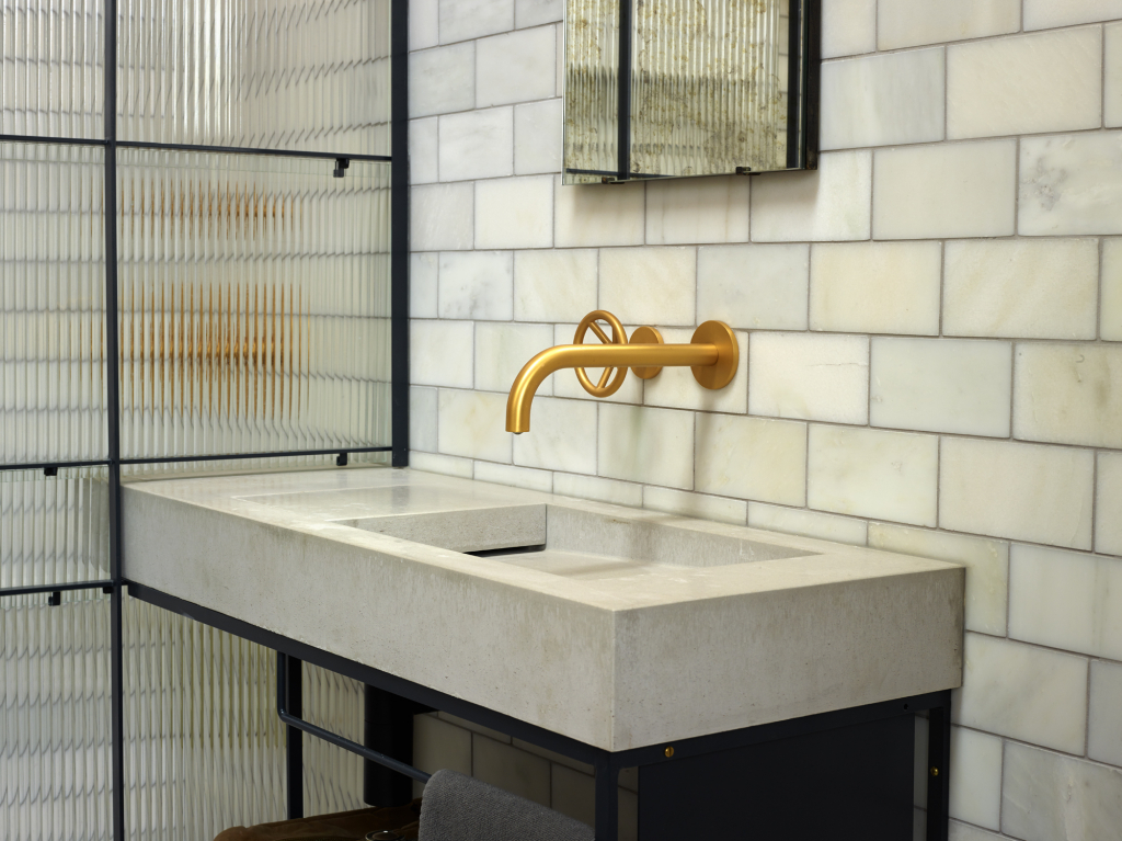 00287PL_BRO05_Brooklyn_Wall_Mounted_Basin_Tap_in_Brushed_24k_Gold