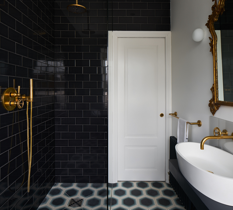 00313PL_BRO53_Brooklyn_Wall_Mounted_Shower_Mixer_in_Aged_Brass
