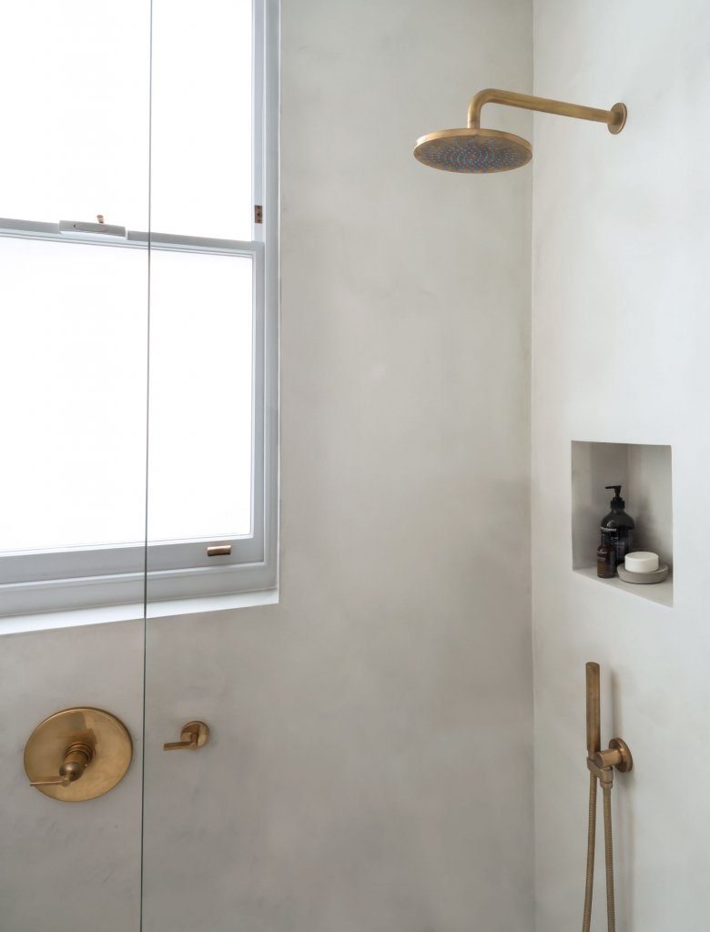 00371PL_ANC48_Ancillaries_Wall_Mounted_Shower_Head_in_Aged_Brass