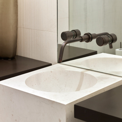 SED06_Sense_Wall_Mounted_Basin_Tap_in_Charcoal_00473L